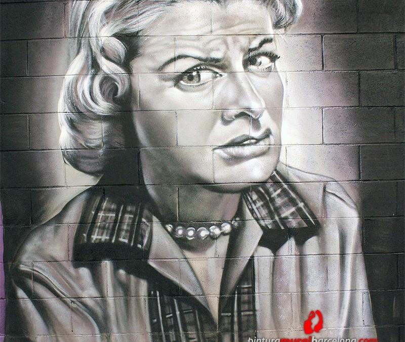 Exhibiciones Graffiti Archives - PINTURA MURAL BARCELONA [ Mateo Lara ] - graffiti-mujer-gris-martorell-800x675