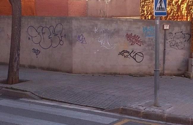 Graffiti superh roe los incre bles matar 2014 espray - Pintura mural barcelona ...