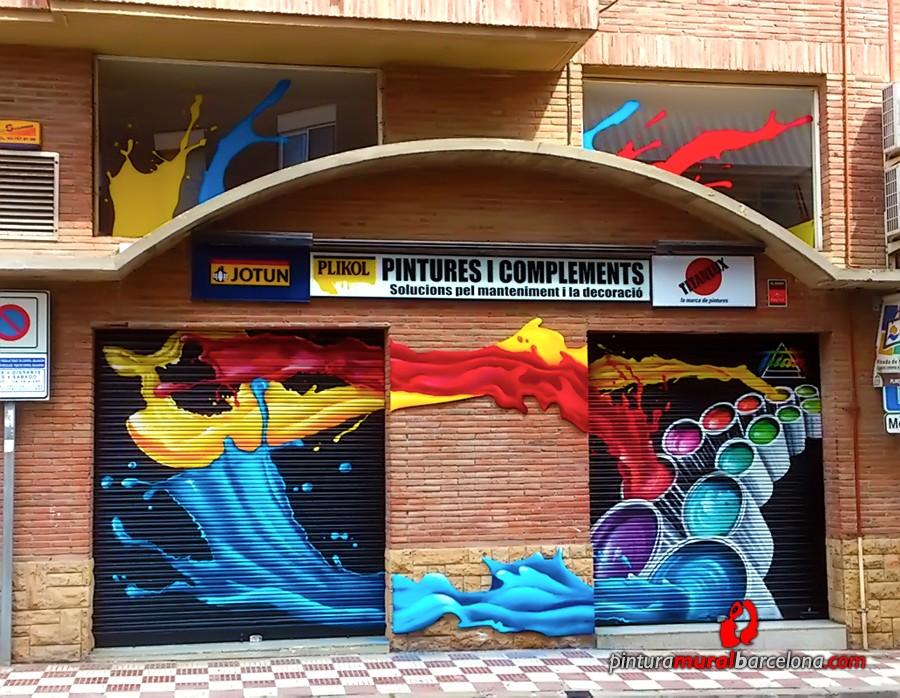 Graffiti mural en persianas y fachada para titan pintura - Pintura mural barcelona ...