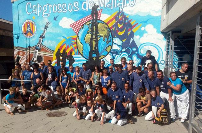 Mural colla capgrossos de matar pintura mural barcelona - Pintura mural barcelona ...