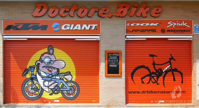 DOCTORE BIKE – Avda. Maresme. Mataró (Spain). 2009 Copyright [Espray]