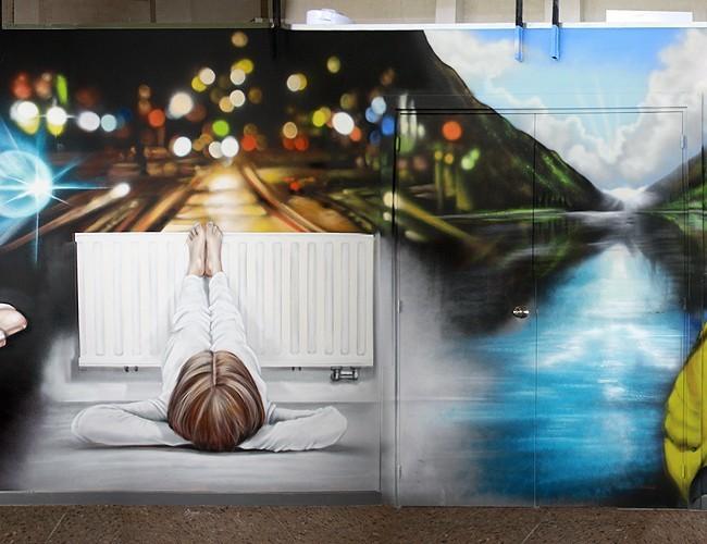 MURAL GRAFFITI EN ENTRADA OFICINA