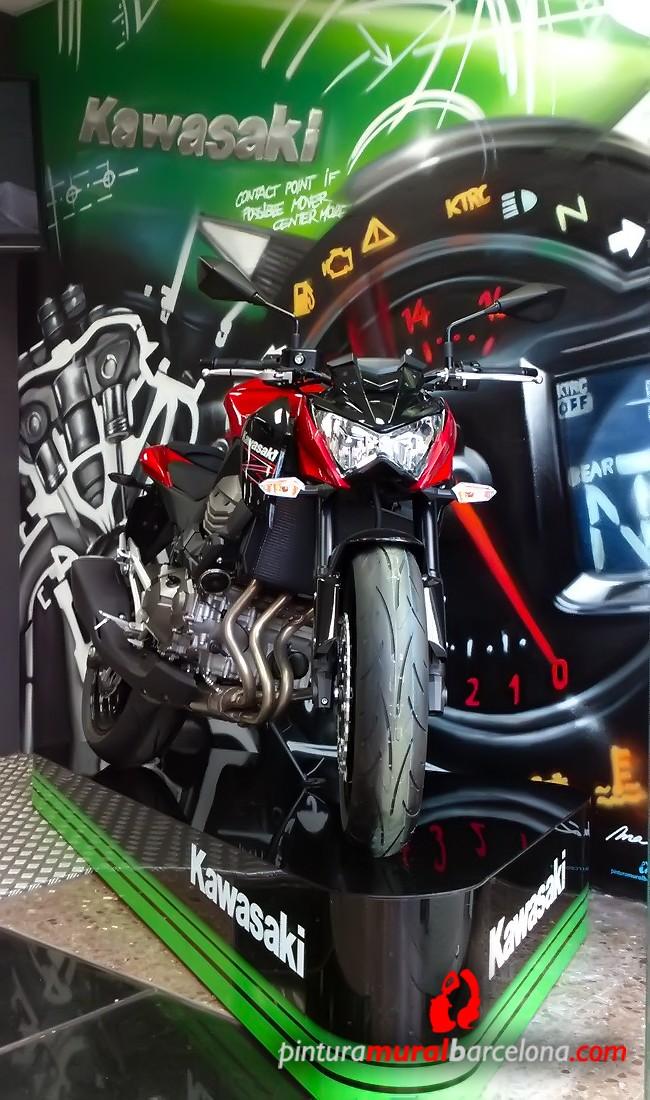mural-graffiti-kawasaki-moto-motor-podio