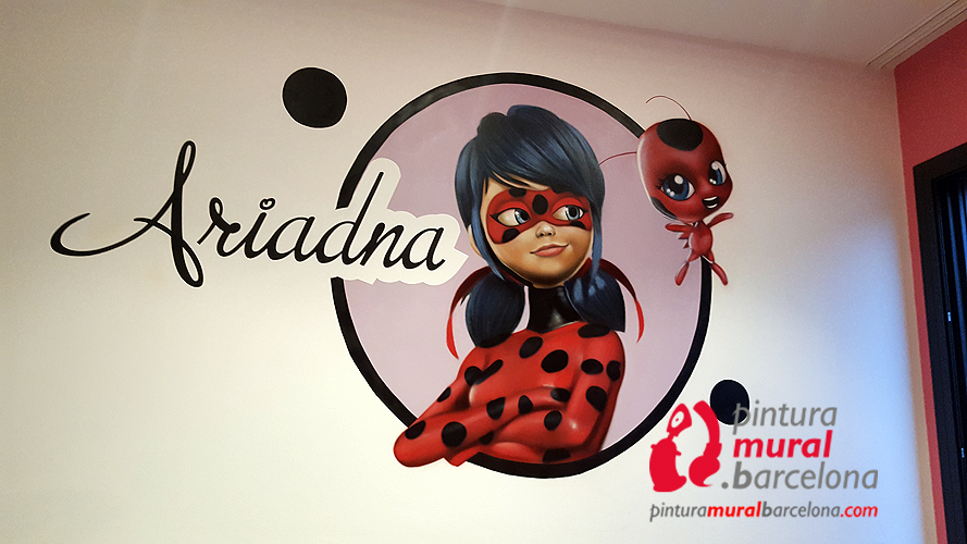 mural-graffiti-lady-bug-marinette