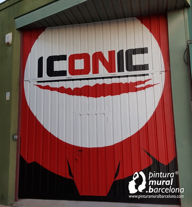 mural-graffiti-box-crossfit-iconic-puerta