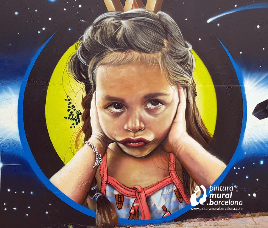 mural-graffiti-retrato-niña-realismo-cara
