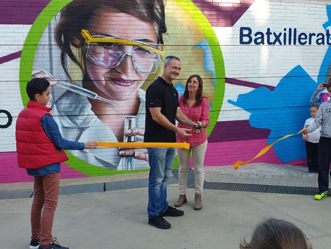 inauguración-mural-graffiti-maristes-valldemia