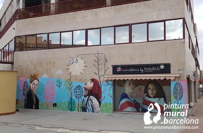 mural-graffiti-realismo-kids&us-fachada