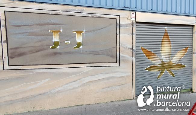 mural-graffiti-pintado-logotipo-oro-dorado-marihuana