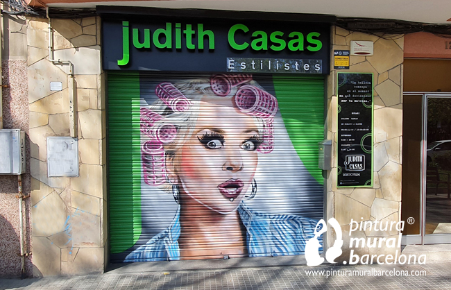 mural-graffiti-peluqueria-persiana-pintada-mollet