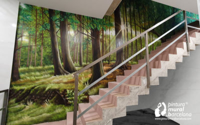 MURAL BOSQUE ESCALERA